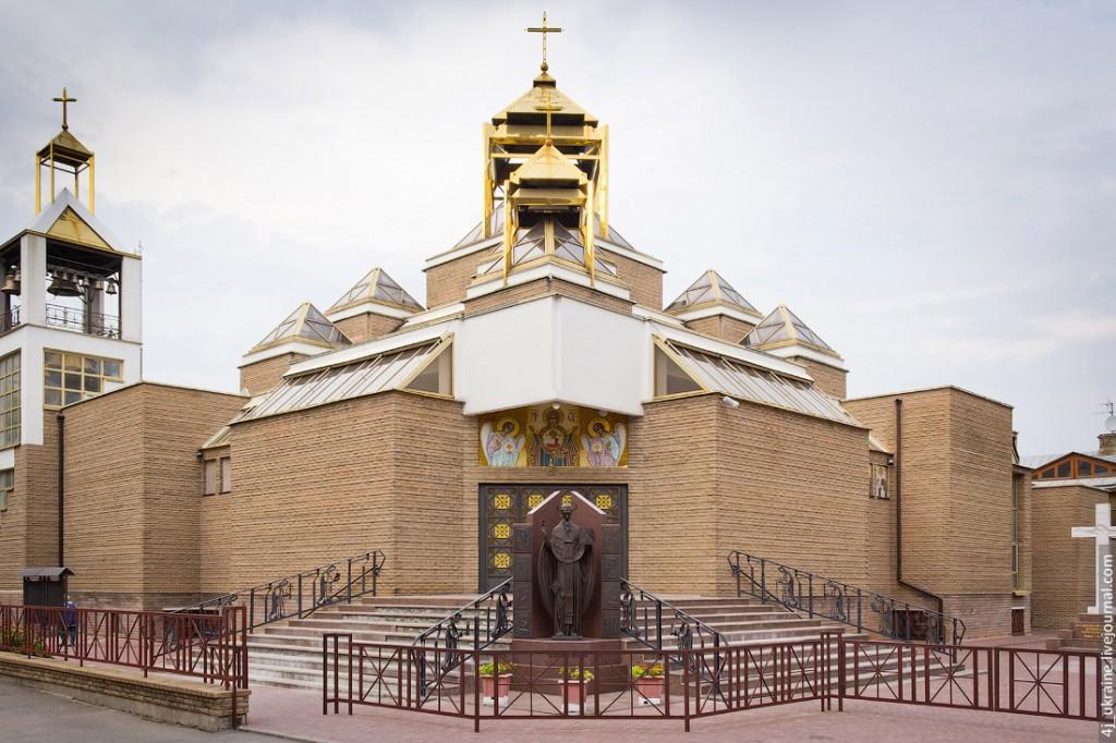 Васильяни Київ