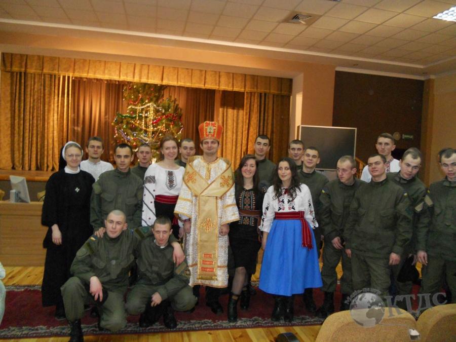 Святий Миколай та військові